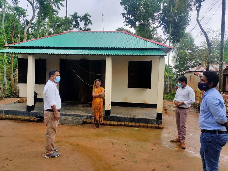 প্রধানমন্ত্রীর উপহার পেলেন চা শ্রমিকরাও 'হামনিকের নতুন ঘরে দুর্গাপুজা কারবই'